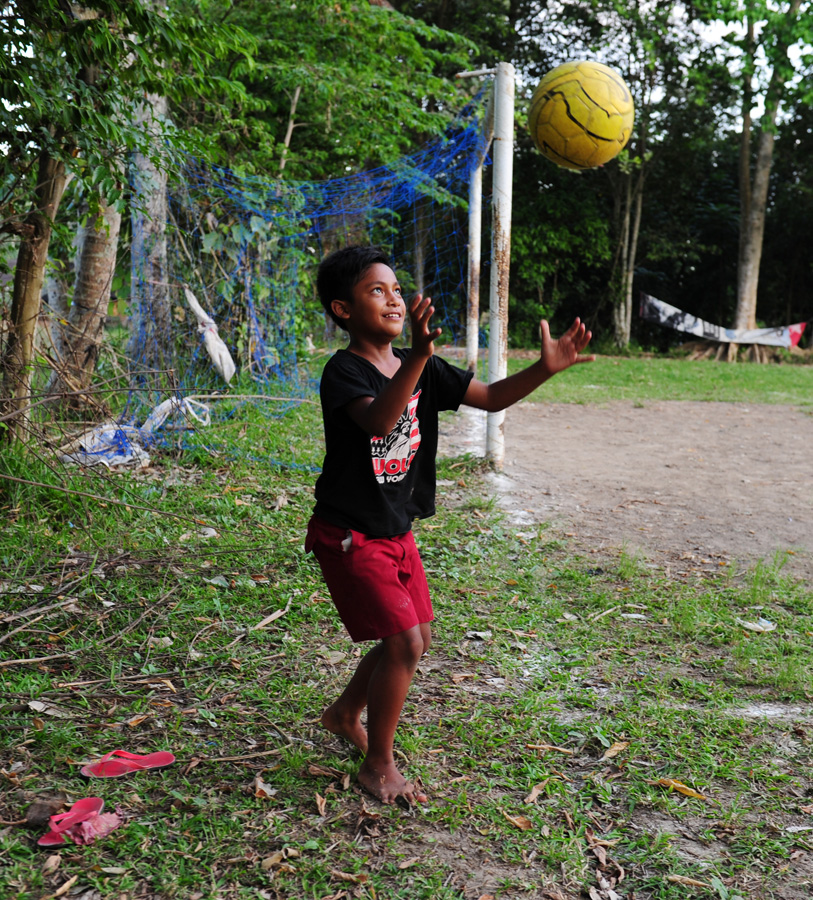 11_isabelle_boon_football_bali_indonesia